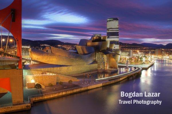 Muzeul Guggenheim în Bilbao, Spania