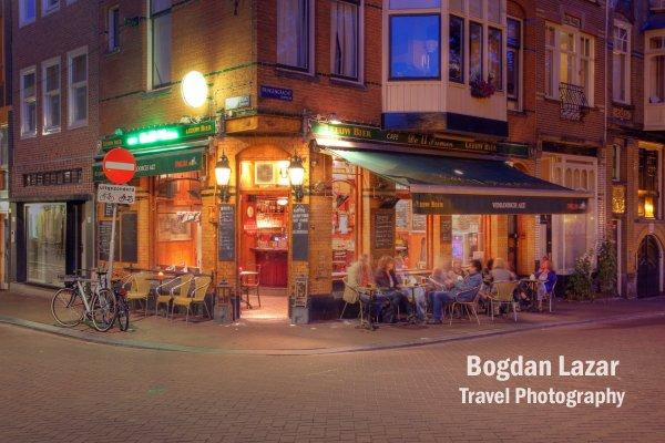 Bar în colț de stradă / Amsterdam
