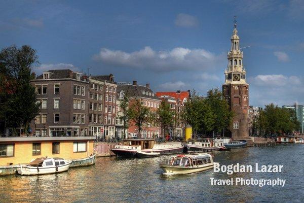 Turnul Montelbaanstoren în Amsterdam, Olanda