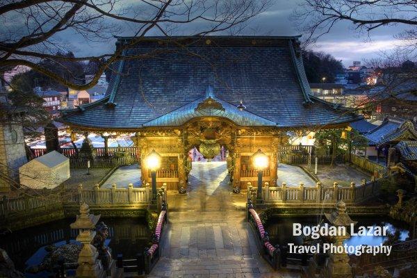 Poarta Nio-mon a templului Narita-san Shinsho-ji de lângă Tokyo, Japonia