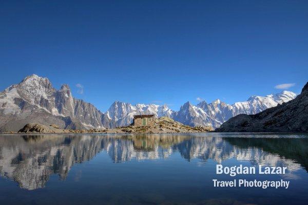 Reflexie a Massivului Mont Blanc, Franța