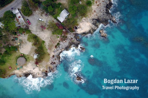 Vedere aeriană deasupra 3 Dives Point în Negril, Jamaica